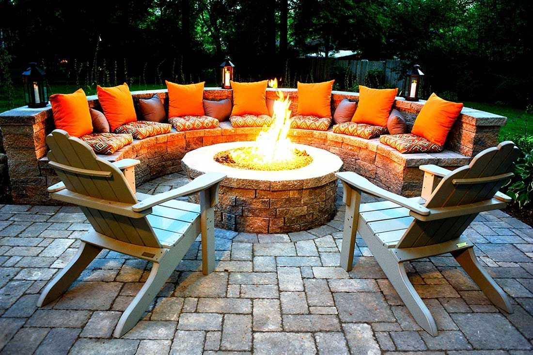 Outdoor fire pits-Bradenton FL Landscape Designs & Outdoor Living Areas-We offer Landscape Design, Outdoor Patios & Pergolas, Outdoor Living Spaces, Stonescapes, Residential & Commercial Landscaping, Irrigation Installation & Repairs, Drainage Systems, Landscape Lighting, Outdoor Living Spaces, Tree Service, Lawn Service, and more.